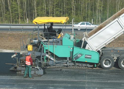 Bild 12:7 Banddriven asfaltutläggare