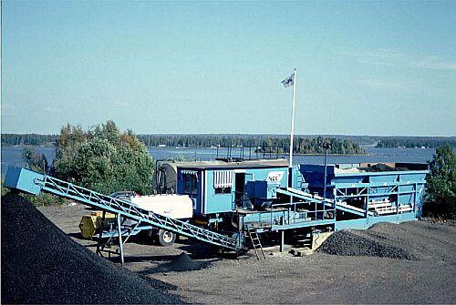 Bild 14:4 Kontinuerligt blandarverk för kallblandad asfalt av fabrikat Aneco.