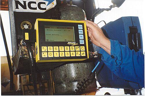 Bild 18:7 Maskinstyrningsdator på asfaltutläggare